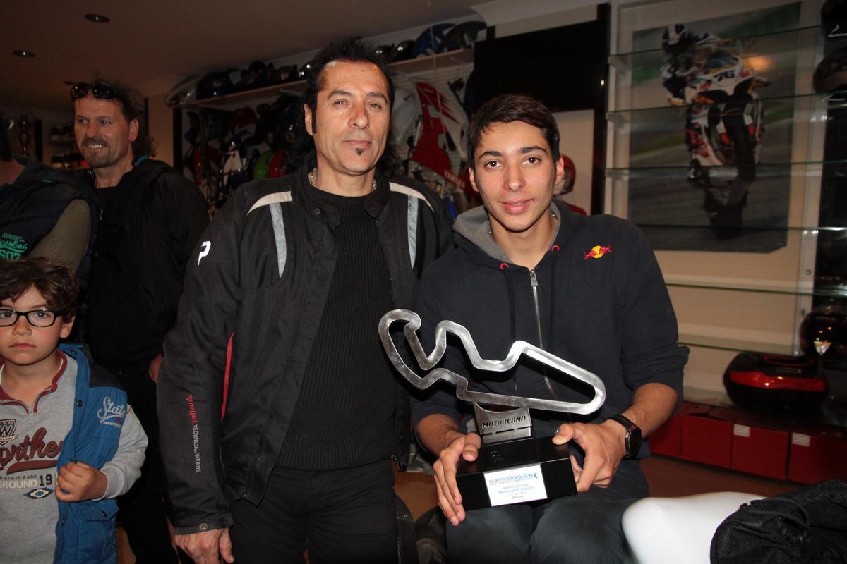 Milli motosikletçi Razgatlıoğlu'na coşkulu karşılama