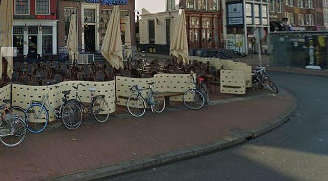 Groningen'deki kafeye bıçakla dalan bir kişi üç kişi bıçakladı
