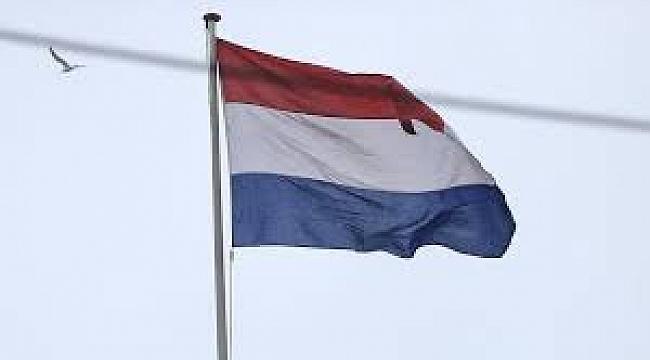 Hollanda Selefilik ile Çalkalanıyor