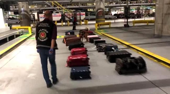 İstanbul Havalimanı'nda uyuşturucu operasyonu iki Hollandalı yakalandı