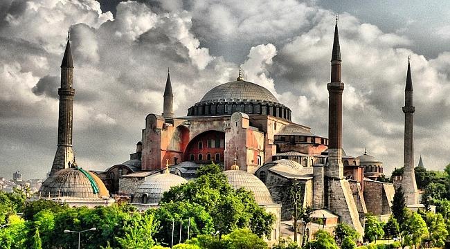 Ayasofya Camii'ni 12 yılda 31 milyon kişi ziyaret etti