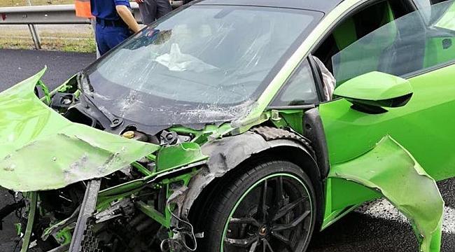 Düğün konvoyundaki 300 bin avroluk Lamborghini haşat oldu