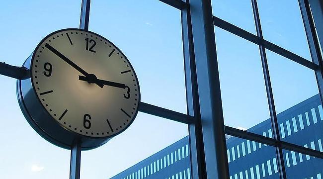 Hollanda'da Kış saati uygulaması başladı