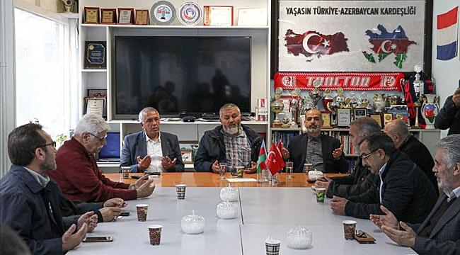 Hollanda'da yaşayan Azerilerden Barış Pınarı Harekatı'na destek