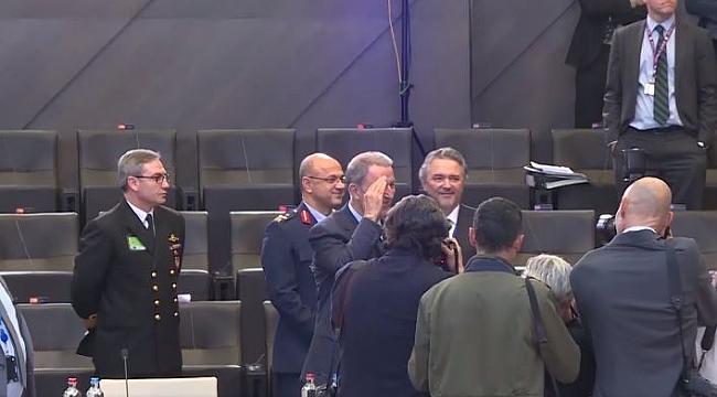 Milli Savunma Bakanı Hulusi Akar'dan asker selamı