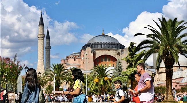 İstanbul'a gelen turistin İstanbul nüfusunu geçmesini bekliyoruz