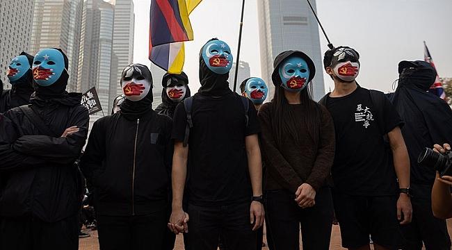 Hong Kong'da protestocular Uygur Türklerine destek için toplandı