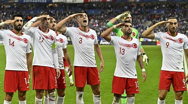 UEFA'dan A Milli Takım'a 'asker selamı' için 50 bin avro para cezası