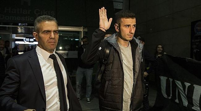 Oğuzhan Özyakup Hollanda'ya gitti: Tekrar Beşiktaş forması giymek için gidiyorum