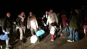 Sınır kapıları açıldı! Göçmenler Avrupa yolunda
