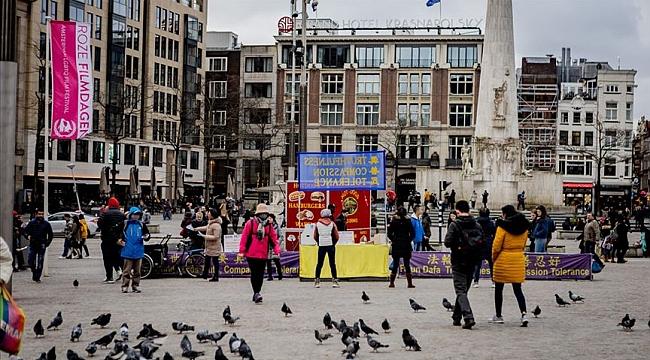 Hollanda'da halk iyice gevşedi, bu işin şakası yok aman Dikkat