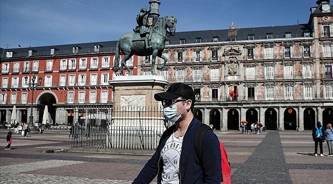 Avrupa'da Belçika'dan sonra şimdide İspanyada tüm kalabalık noktalarda maske zorunluluğu