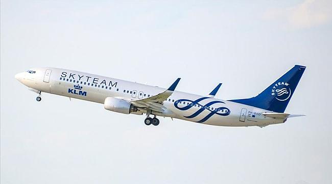 Hollanda ulusal hava yolu şirketi KLM 5 bin kişiyi işten çıkarmaya hazırlanıyor