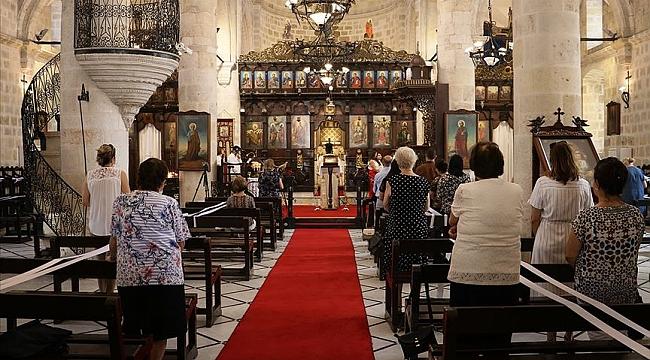 Türkiye farklı inançlara sağlanan ibadet yeri sayısında Batı'nın 5 kat önünde