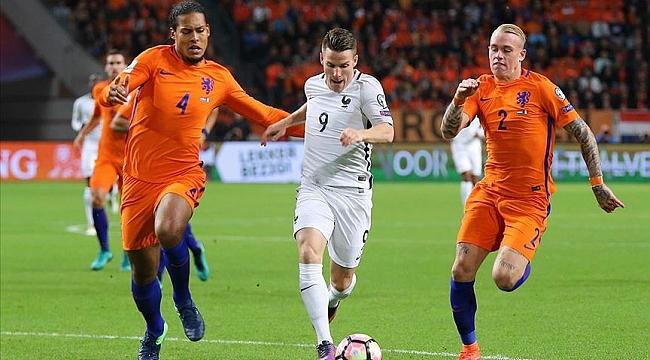 Hollanda tek golle kazandı