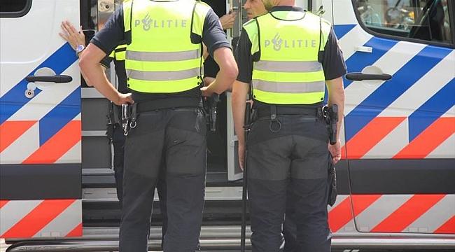 Hollanda'da korona kısıtlamaları protesto edildi 80 kişi gözaltına alındı