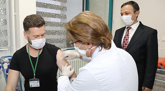 Erciyes Üniversitesinde geliştirilen Kovid-19 aşı adayında ilk doz uygulandı