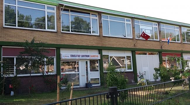 Hollanda'da bir camiye saldırı düzenlendi