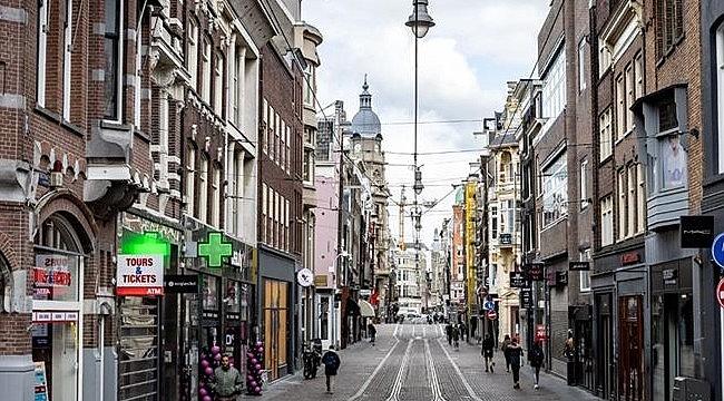 Hollanda'da sokağa çıkma yasağı karmaşasası