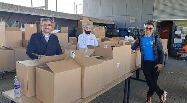 TOV Utrecht ten İhtiyaç sahihbi ailelere gıda paketi yardımı.