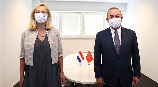 Dışişleri Bakanı Çavuşoğlu, Roma'da Sigrid Kaag ile görüştü