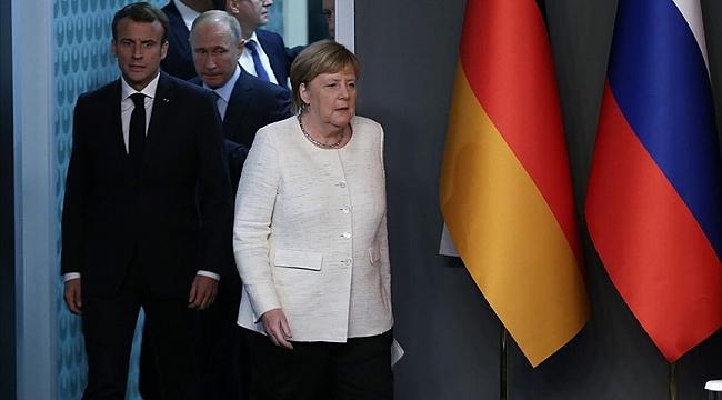 Merkel ve Macron'un Putin ile görüşme önerisi Avrupayı böldü