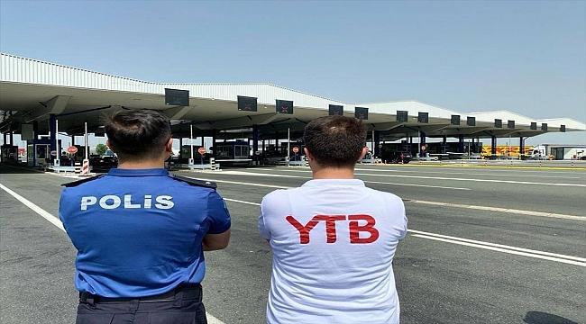 YTB, Avrupa'dan memleket yoluna çıkan Türk vatandaşlarını Sırbistan sınır kapılarında karşılıyor