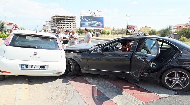Aksaray'da Gurbetçinin kullandığı otomobil çarpıştı: 6 yaralı