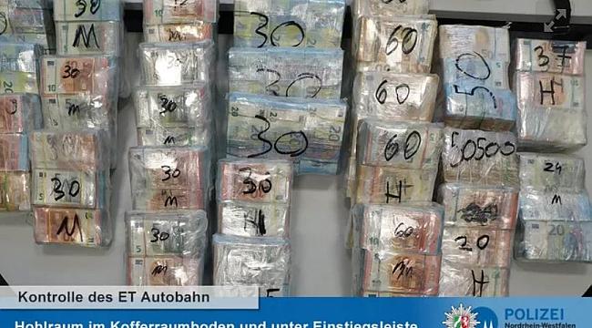 Alman polisi Hollanda'dan gelen bir arabada 910.000 Euro nakit para buldu