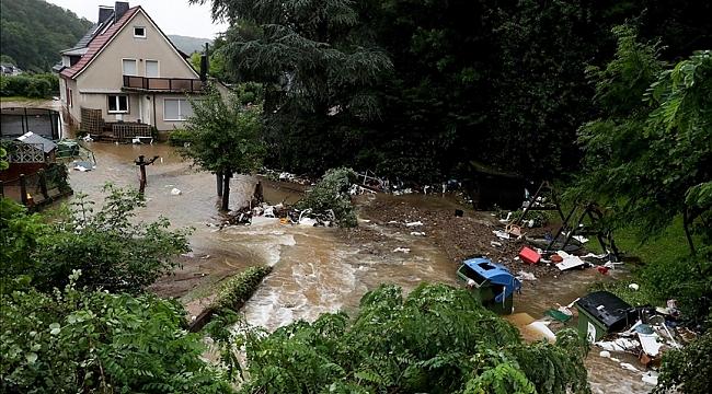 Almanya'nın batısındaki sel ve su baskınlarında ölenlerin sayısı 81'e yükseldi