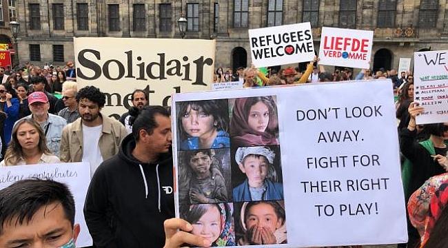 Amsterdam'da Afganistan'daki sivillere destek gösterisi düzenlendi
