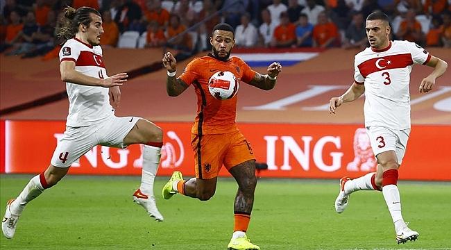 A Milli Futbol Takımı Hollanda'da ağır yara aldı