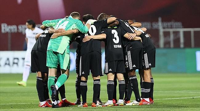 Beşiktaş, Ajax ile oynayacağı karşılaşma için Hollanda'ya geldi