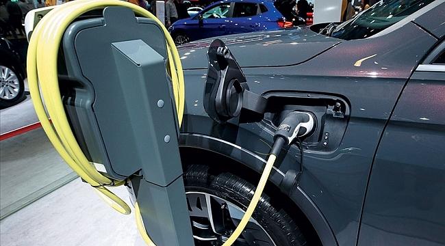 Dünya genelinde satılan binek araçların yarısının 2032'ye kadar elektrikli olması bekleniyor