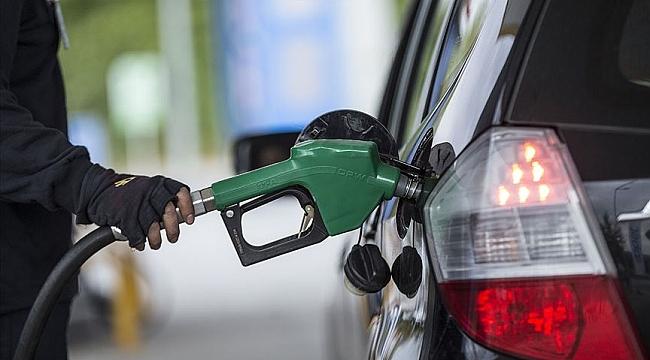 Hollanda'da benzin fiyatı ilk kez 2 euroyu geçti