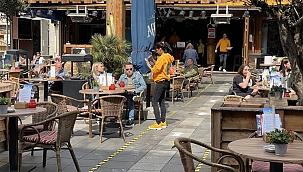 Hollanda Teras ve Açık alanlardaki etkinliklerde Zorunlu Korona Giriş Belgesi uygulamasından vazgeçti