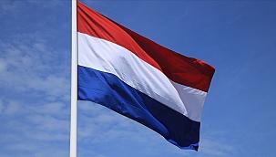 Hollanda'da Müslümanlara ait kurumların gizlice araştırılmasına tepki