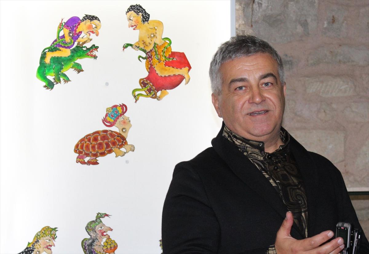 Topkapı Sarayı'nda Karagöz sergisi açıldı