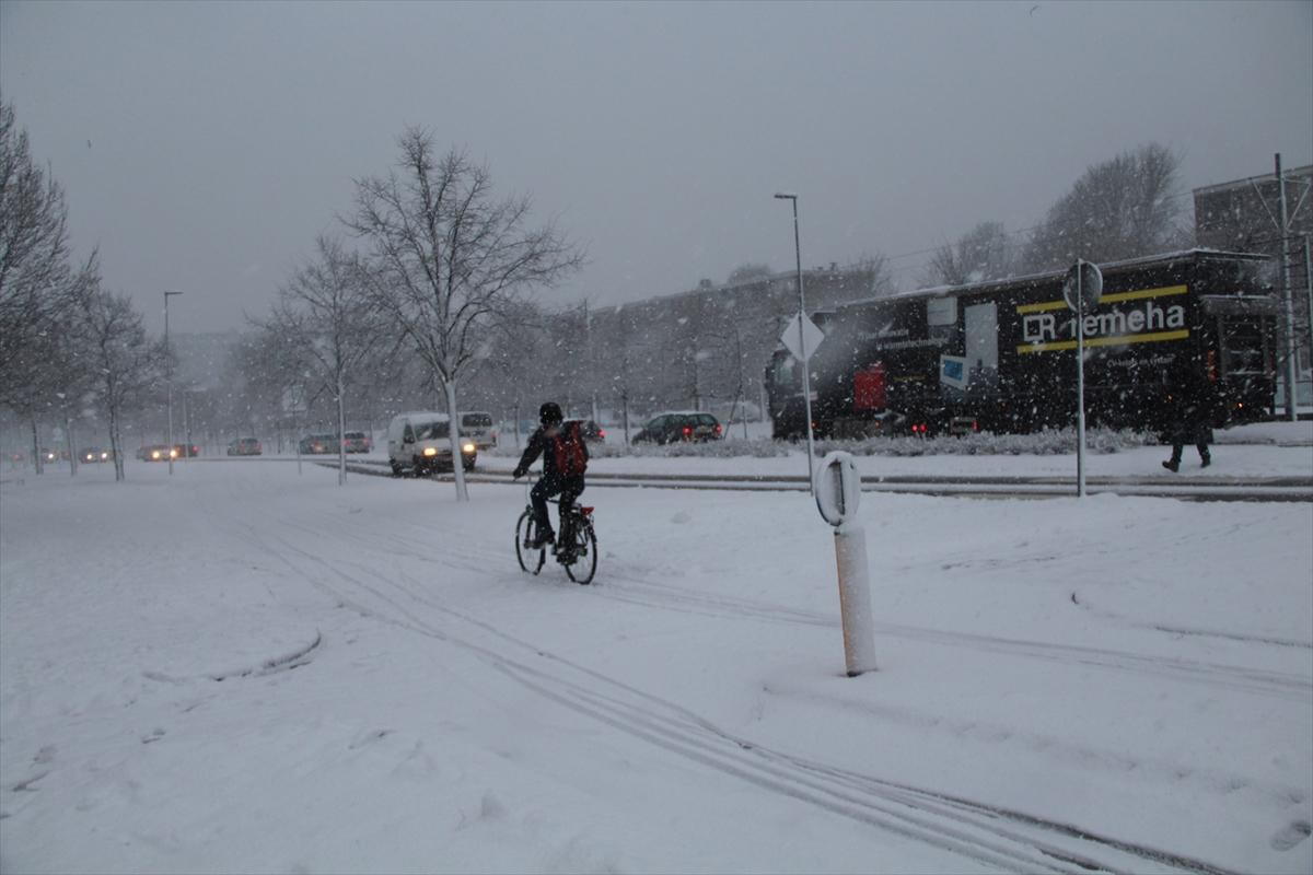 Avrupada kötü hava şartları hayatı olumsuz etkiledi