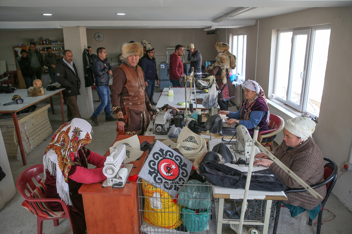 Kırgız Türklerince üretilen börklere talep arttı