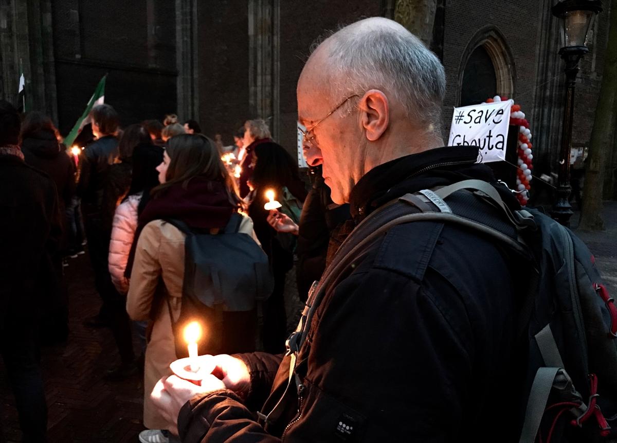 Hollanda'da Suriye için ışık gösterisi