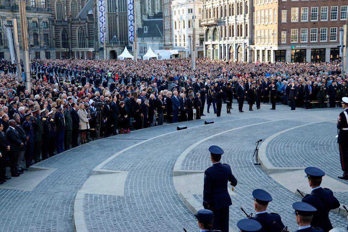 Hollanda'da 2. Dünya Savaşı kurbanları anıldı