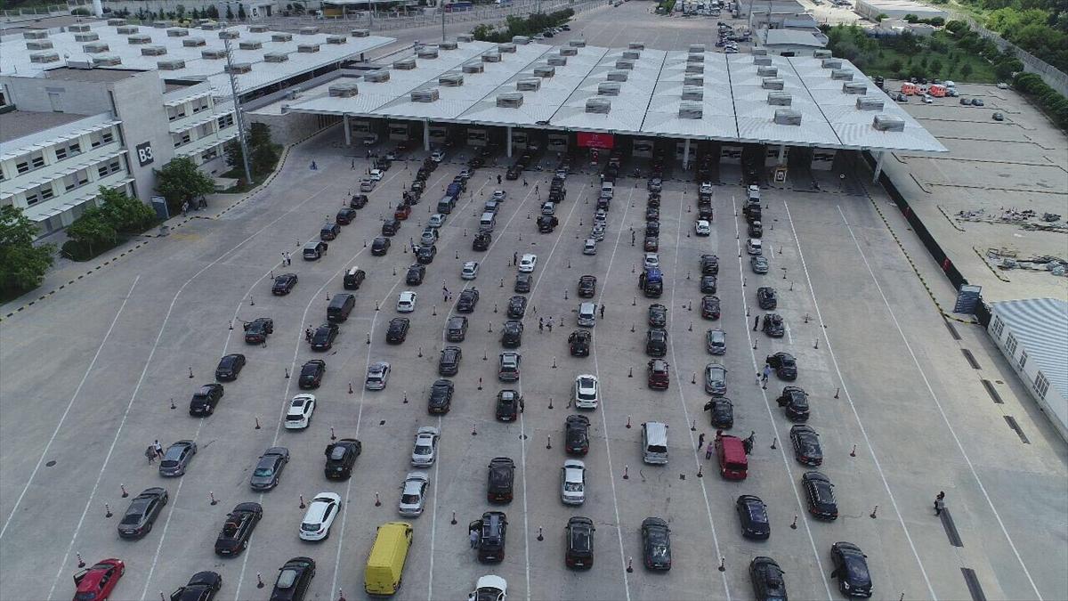 Kapıkulede gurbetçi yoğunluğu - Kapıkule Sınır Kapısı'nda geçiş rekoru kırıldı