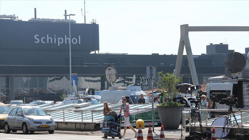 Hollanda'da uçak korsanlığı ihbarı pilot ihmali çıktı