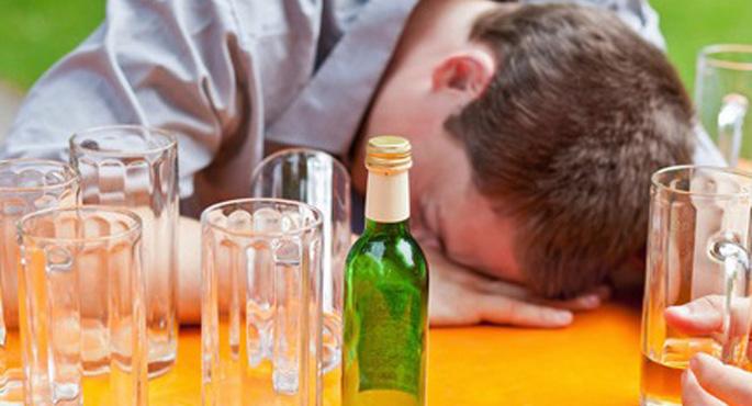 Avrupa'nın en fazla sorunlu alkollü içki tüketen ulusu