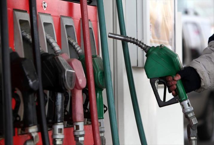Benzinli arabaya dizel yakıt koydular