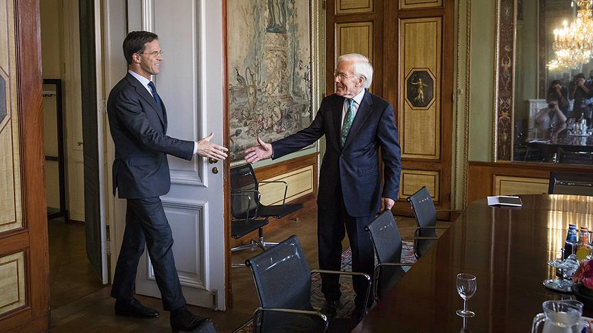 Hollanda'da koalisyon protokolü taslağına onay