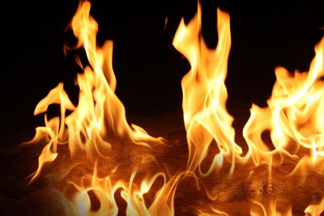 Hollanda'da yangın faciası: aynı aileden 3 kişi ölü