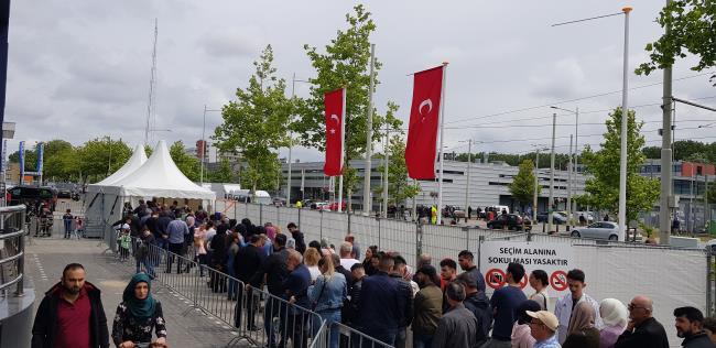 Hollanda'da Seçimin üçüncü günü rekor katılım gerçekleşti
