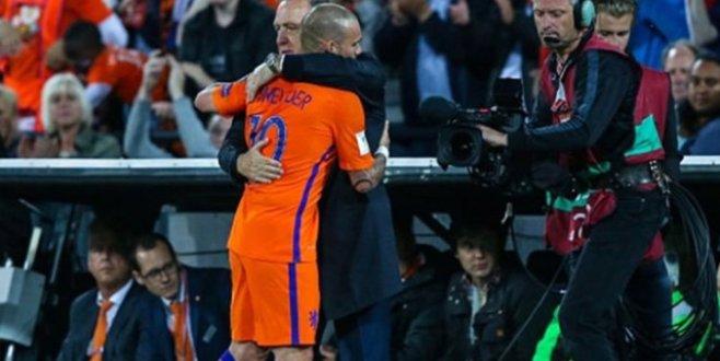 Hollanda Lüksemburgu 5-0 mağlup etti